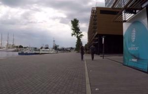 Nowe nabrzeże w Gdyni wciąż czeka na spacerowiczów