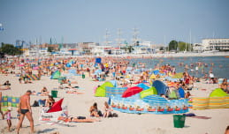 1,8 mln zł na sprzątanie trójmiejskich plaż