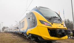 SKM łączy nowe pociągi w jeden skład