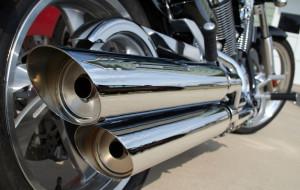 Głośny motocykl: bezpieczny czy uciążliwy?