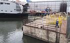 Stoczniowiec spadł z rusztowania do wody