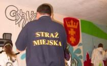 Graffiti malowane na oczach straży miejskiej