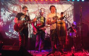Brodacze Wyciągnięci z Dżungli walczą o muzykę