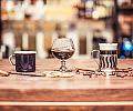 Rozgrzewające napoje na zimne dni. Dokąd warto się wybrać?