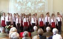 Dzieci zaśpiewały pieśni patriotyczne