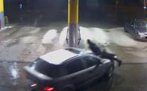 Pracownik stacji paliw potrącony przez...