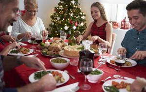O czym (nie) rozmawiać w Święta przy stole