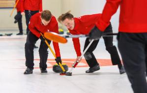 Gdzie i za ile pograć w curling w Trójmieście?