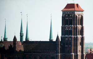 Siedmiu chętnych do remontu elewacji Bazyliki Mariackiej
