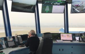 Z kamerą w wieży kontroli lotów