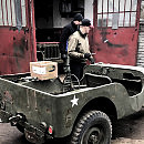 Odbudowuje auta z II wojny światowej