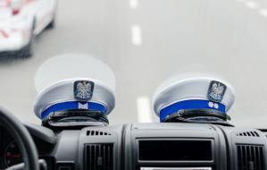 Policjant trzy razy zatrzymał jednego kierowcę