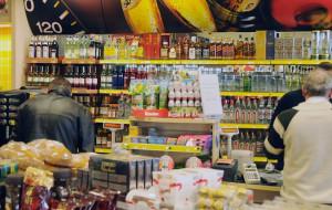 Hot-dog i alkohol hitem stacji paliw w Trójmieście