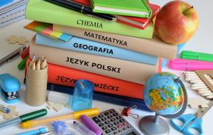 Dla kogo darmowe podręczniki? MEN wciąż nie ma aktualnej listy książek