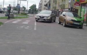 Czytelnik: nie budujmy chodników z asfaltu