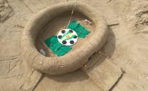 Zbudowali kilkanaście stadionów z piasku...