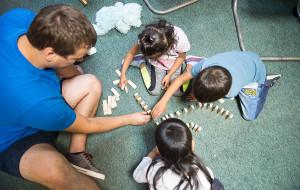 Świetlica dla żebrzących dzieci zdała egzamin? Sprawdziliśmy, kto skorzystał