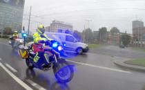 Ratownicy na motocyklach przyjechali do...