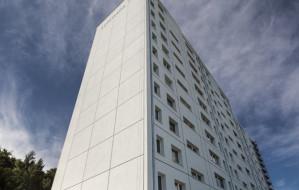 Gdynia: pomalowali blok na biało, mieszkańcy zachwyceni