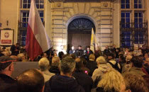 Niedzielny protest przeciwko zmianom w sądach
