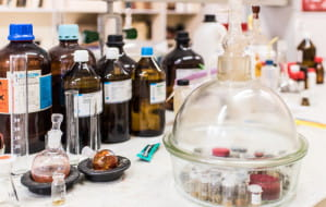 Czym różnią się tańsze odpowiedniki leków? Sprawdzamy