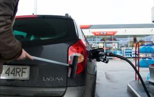 Co kierowcom doskwiera na stacjach paliw?