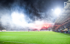 Komisja Ligi ukarała kluby i kibiców. Arka i Lechia zapłacą po 15 tys. zł
