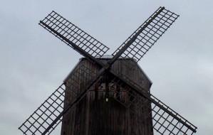 Wędrówka do wiatraka na Górze Sobótce