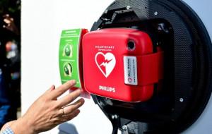Automatyczne defibrylatory: jest ich sporo, ale czy umiałbyś ich użyć?
