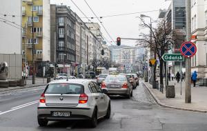 Gdynia: deweloper dołoży się do szpaleru drzew na 10 Lutego