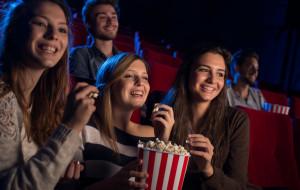 Dokąd i kiedy chodzić do kina, żeby zaoszczędzić?