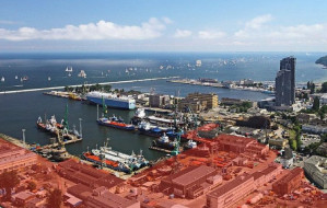 Port przejmuje część terenów nadmorskich w Gdyni