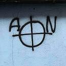 Bar na Przymorzu i Dom Zarazy w Oliwie wymalowane krzyżami celtyckimi