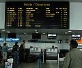 Lotnisko nocą: trudno o informacje