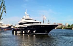 Zobacz wodowanie luksusowego jachtu za 18 mln euro