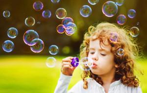 Bańki mydlane, festyny i warsztaty dla najmłodszych - zaplanuj z nami weekend