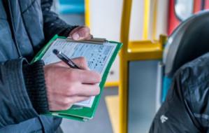 Czytelnik: kontrolerzy biletów mają podwójne standardy
