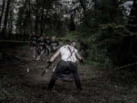 Uciekaj przed zombi lub stań się nim