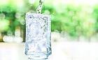 Zdrowe nawyki. Jak przekonać się do picia wody?