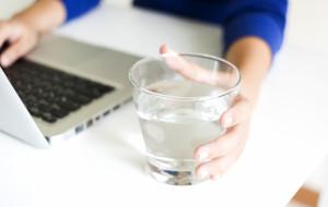 Kiedy pracodawca powinien zapewnić nam napoje i posiłki?