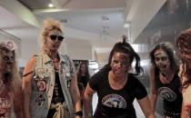 Zombie w centrum handlowym. Pomysłowy...