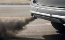 Widzisz auto, które dymi jak pochodnia, co...