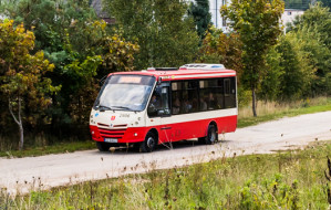Trudniejszy dojazd autobusem do szkoły w Kokoszkach