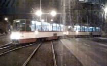Kamera zarejestrowała zderzenie  tramwajów...