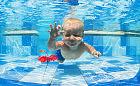 Jak uczyć pływać niemowlaki i starsze dzieci?