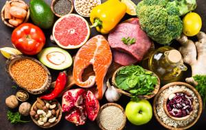 Białko zwierzęce i roślinne. Jak zbilansować dietę?
