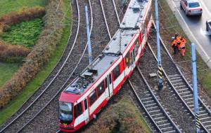 Pęknięta szyna dwa razy wykoleiła tramwaje
