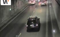Ciężarówka wjechała w bmw w tunelu pod...