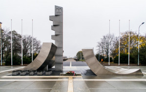 Pomnik Polski Morskiej w Gdyni już naprawdę odsłonięty