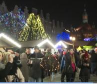 Tłumy na rozpoczęciu Jarmarku Bożonarodzeniowego